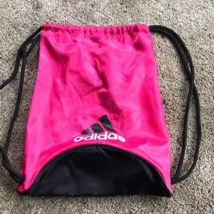 Draw strong gym bag